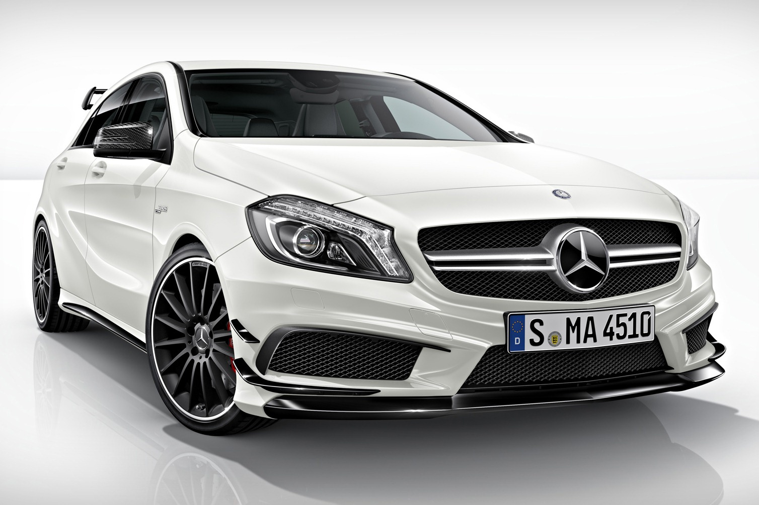 Chiptuning Mercedes A45 AMG 381 pk
